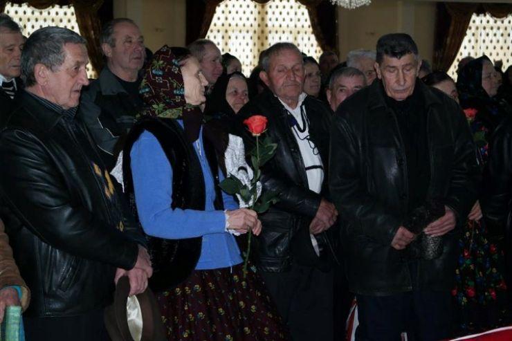 Cuplurile de bixădeni ajunse la 50 de ani de căsnicie, premiate de prefect