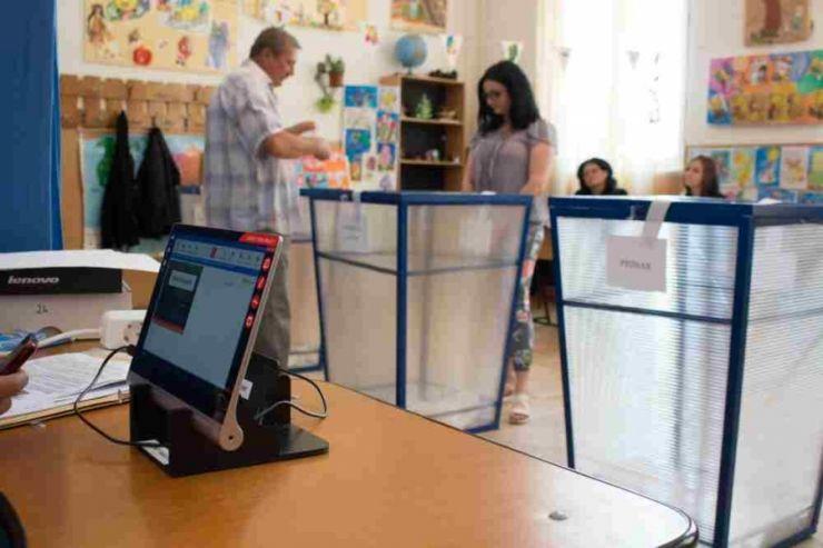 Sâmbătă va avea loc desemnarea computerizată a președinților și locțiitorilor birourilor electorale ale secțiilor de votare