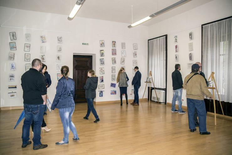 """Vernisajul expoziției caritabile de desene """"365"""" a lui Aurel Popp, la Castelul din Carei (foto)"""