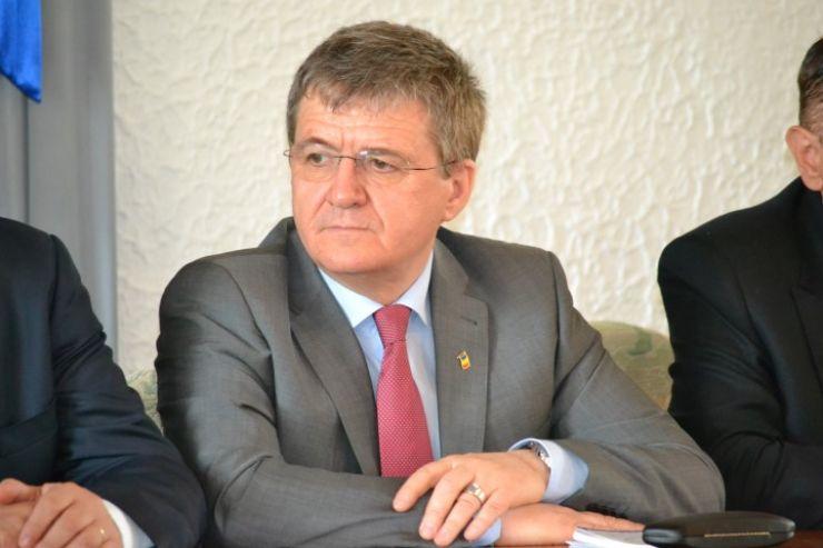Vicepreședintele CJ, Mircea Govor, reținut de procurorii anticorupţie din Bucureşti pentru 24 de ore