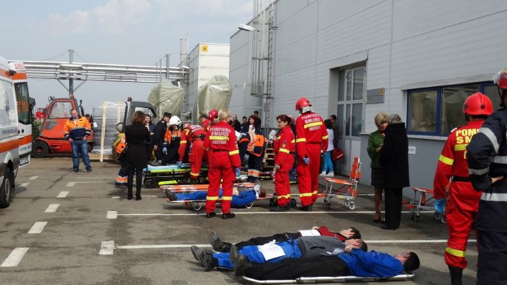 Explozie urmată de incendiu și prăbușirea unei părți din construcții, produsă la SC Contitech Fluid Automotive Romania SRL Carei