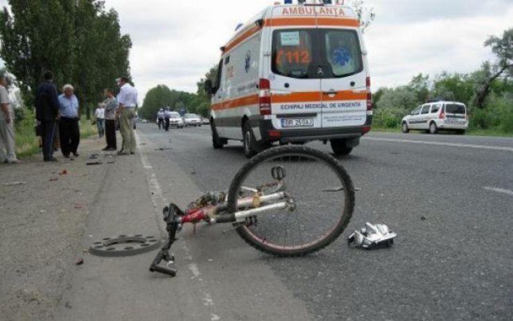 A lovit un biciclist și a fugit de la locul faptei
