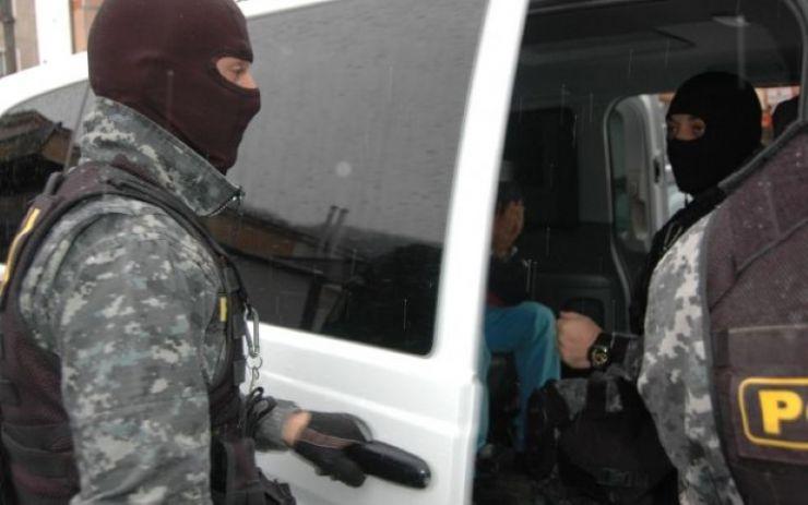 Rețea de traficanți de sirieni care acționa în Satu Mare, destructurată de DIICOT