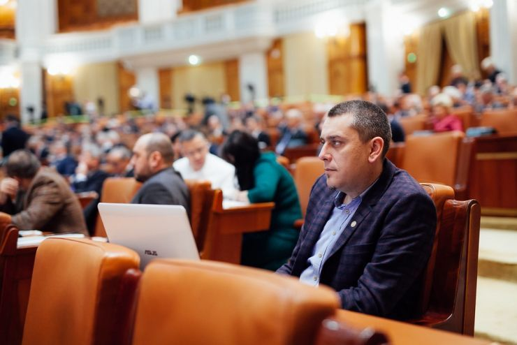 Soluția pentru salvarea Hotelului Sport. Primarul Kereskényi și deputatul Magyar cer sprijinul ministrului Ioana Bran