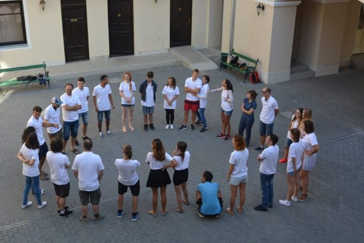 Tineri din Letonia, Bulgaria, Ungaria, Slovacia, Croația și România, în vizită la Primăria Carei