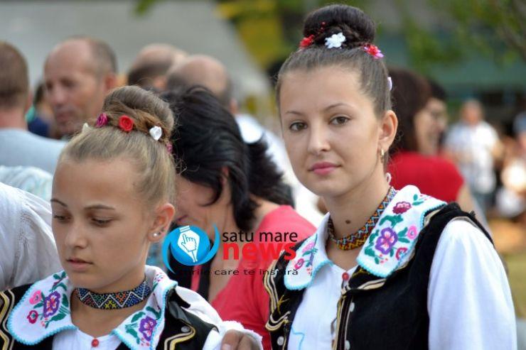 """Au început pregătirile pentru cel mai vechi eveniment cultural: Festivalul Folclorului Codrenesc de la """"Oţeloaia"""""""