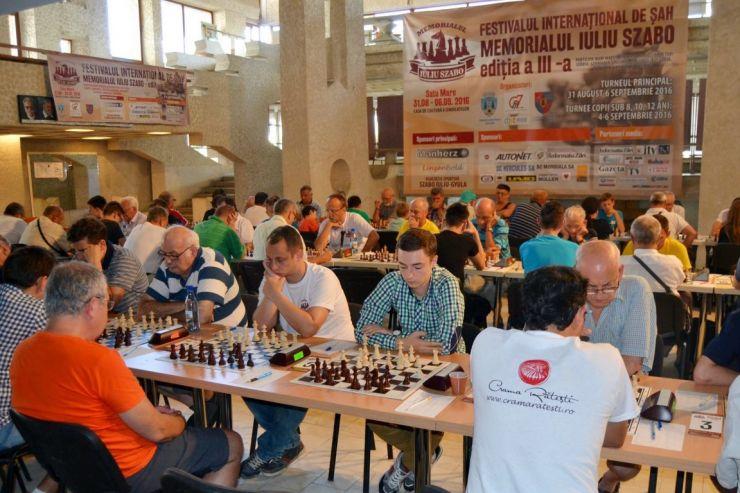 """Aczel Gergely a câștigat Turneul internaţional de şah """"Memorial Iuliu Szabo"""""""