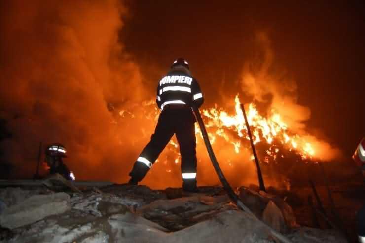 Incendiu la o garsonieră