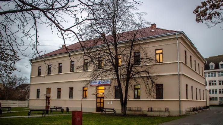 Un focar de trichineloză a băgat în spital patru copii și zece adulți din Satu Mare