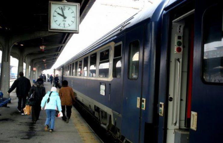 Studenţii au liber pe tren. Gratuitatea călătoriilor pe calea ferată rămâne valabilă