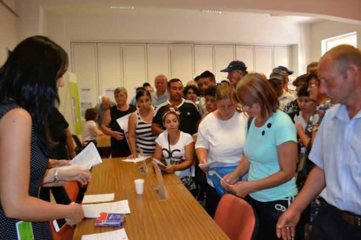 Aproape 200 de participanți la bursa locurilor de muncă oferite de Draxlmaier. Doar două persoane angajate pe loc (FOTO)