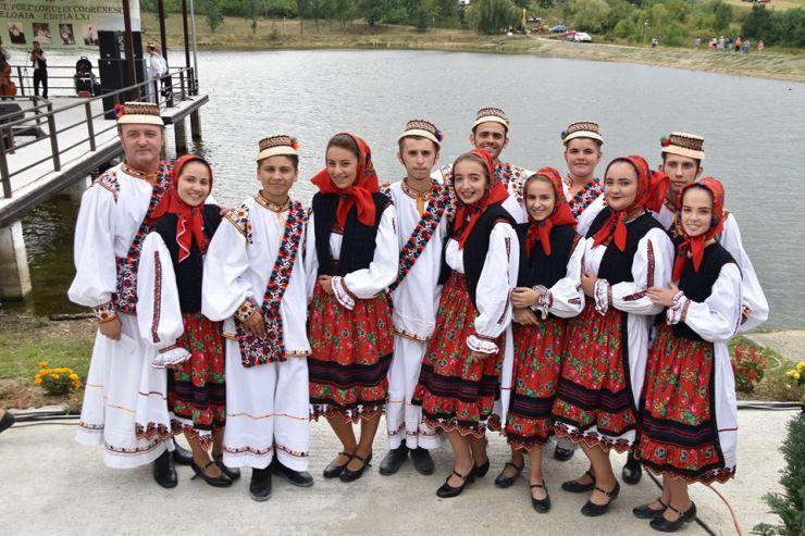 Cântecul și dansul popular, datinile și obiceiurile străvechi prezentate la Festivalul Codrenesc de la Oțeloaia (foto)