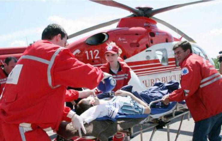 Tânăr transportat cu elicopterul SMURD la Cluj, după ce și-a fracturat coloana