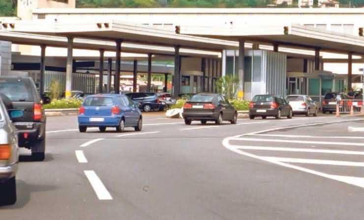 Se deschide un nou punct de frontieră la graniţa cu Ungaria. Se leagă autostrăzile A1 și M43