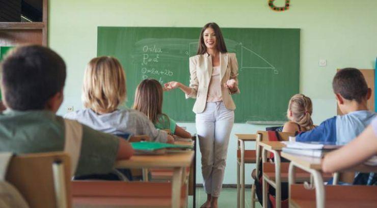 S-a aprobat structura anului școlar 2017-2018. Află când începe școala și când sunt vacanțele