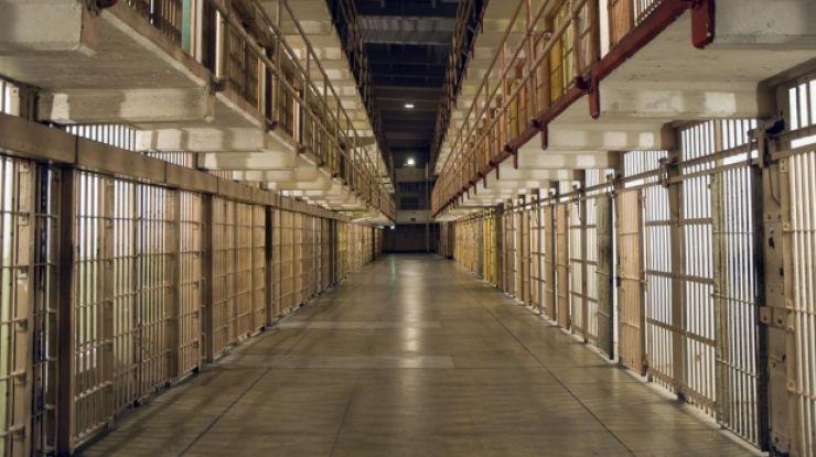 Zeci de deținuți din Penitenciarul Satu Mare ar scăpa de pedepse