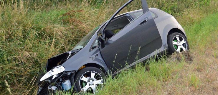 Sătmăreni, implicați într-un accident în Boianu Mare. O femeie a ajuns la spital