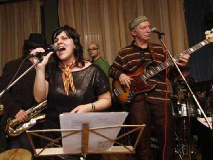 Jazz. Concert Bega Blues Band, joi, la Sinagogă