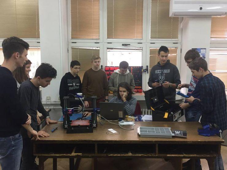 """Fizica, informatica și tehnologia aduc satisfacții elevilor și profesorilor de la Colegiul Național """"Mihai Eminescu"""""""