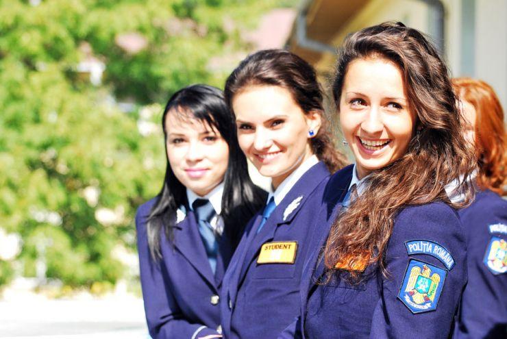 Vrei să fii polițist? Şcolile de Agenţi de Poliţie fac înscrieri