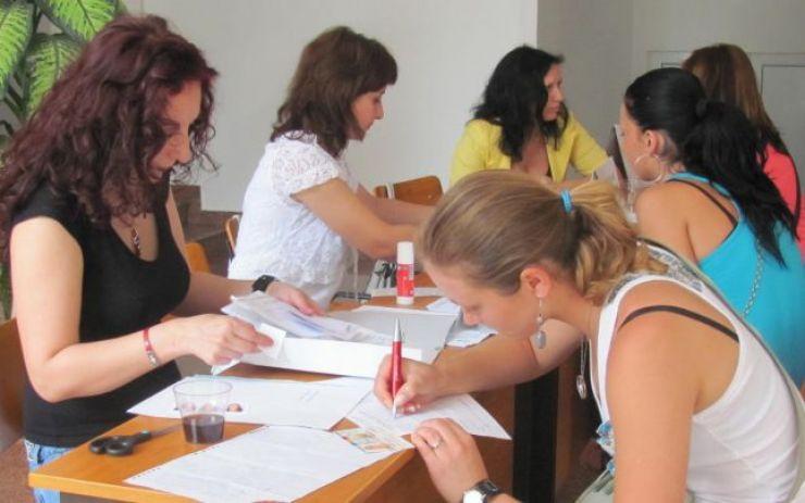 Zeci de absolvenţi de liceu din Satu Mare şi-au depus actele pentru indemnizaţia de şomaj