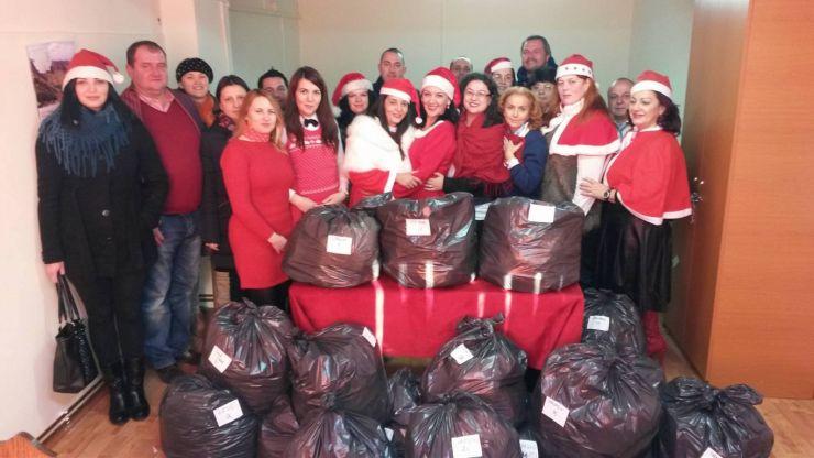 Din suflet pentru suflet   Angajații DGASPC au oferit cadouri tuturor copiilor din centrele de plasament