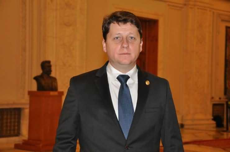Romeo Nicoară: PNL pe calea reformei radicale, PSD rămâne protectorul corupților