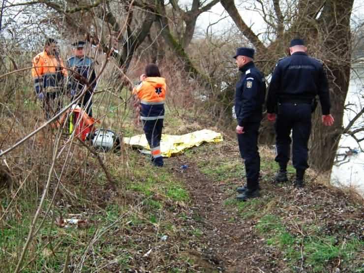 Cadavrul unui tânăr, găsit plutind pe râul Someș