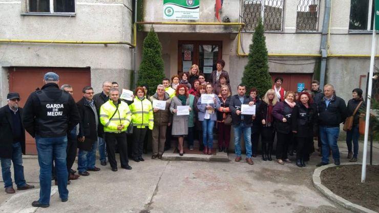 Salariații APM și ai Gărzii de Mediu, din nou în stradă