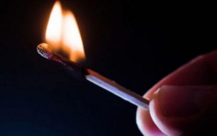 Incendiu de proporții provocat de copii