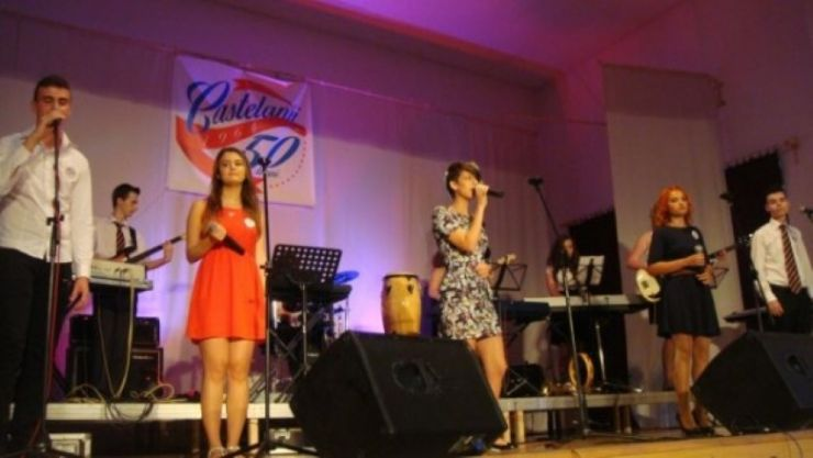 """Concert """"Ziua Muzicii Ușoare"""" susținut de Castelanii la Centrul Cultural din Carei"""