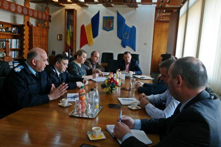 Prefectul a avut prima reuniune oficială cu şefii structurilor judeţene din Ministerul Afacerilor Interne
