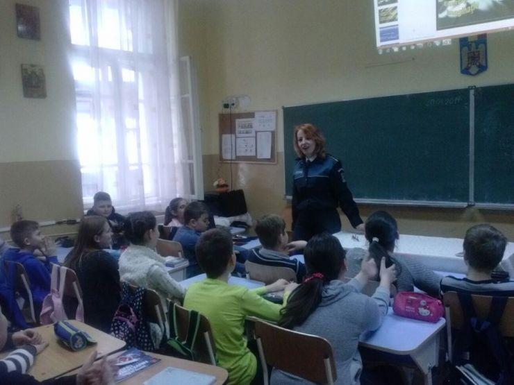 Elevii Școlii Brâncoveanu au participat la activități de prevenire a violenței