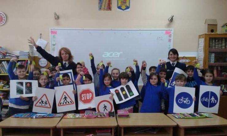 Programul național Şcoala Siguranţei Tedi a ajuns la elevii din Doba