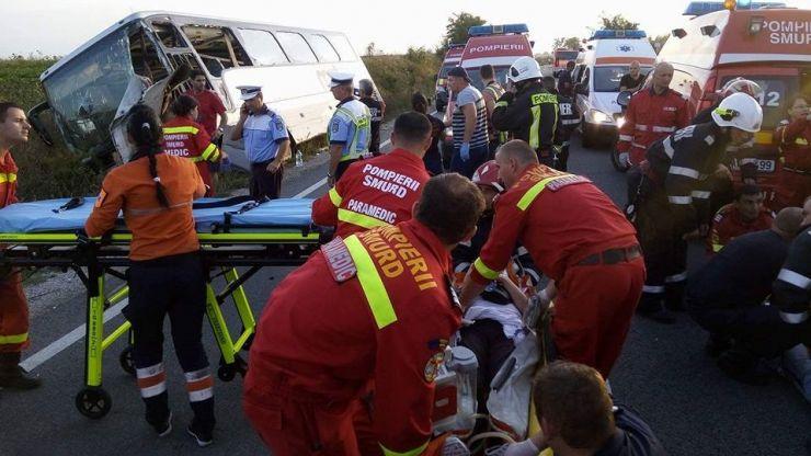 UPDATE Accident grav pe DN19. Aproximativ 35 de persoane sunt rănite