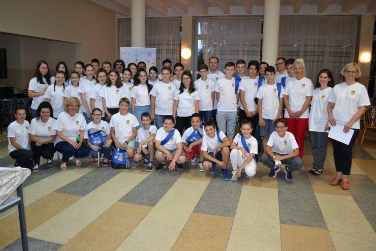 Elevi din zece județe au participat la Tabăra Naţională de Matematică