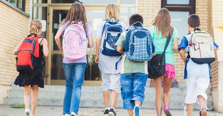 Elevii ar putea începe școala pe 17 septembrie, iar vacanța de Paște va fi de trei săptămâni