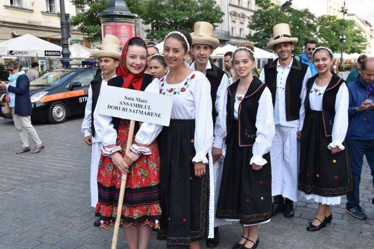 """Ansamblul Folcloric al Județului """"Doruri sătmărene"""", în spectacol la Cracovia"""