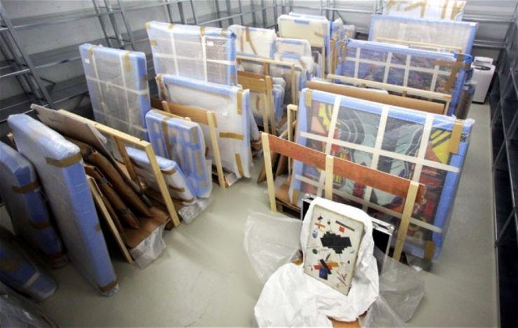 Comerciant de artă prins cu peste 600 de tablouri celebre în garaj (FOTO)