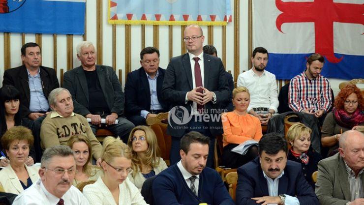 Transparență... Kereskenyi fie nu știe, fie nu vrea să spună scopul pentru care Primăria achiziționează o autoutilitară de 160.000 lei