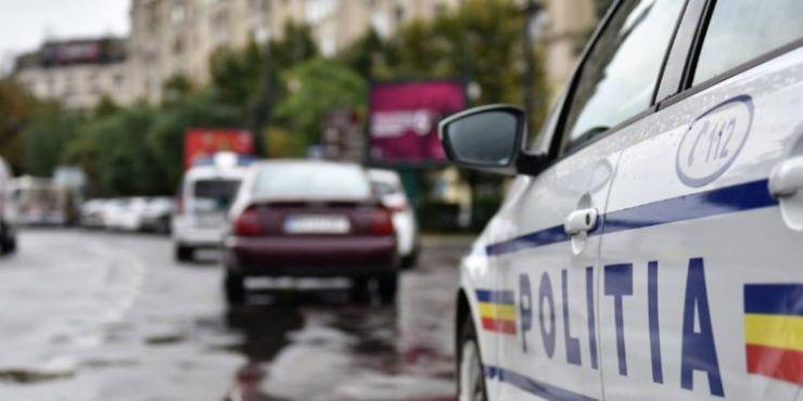 Adolescentă, de 15 ani, prinsă la volan