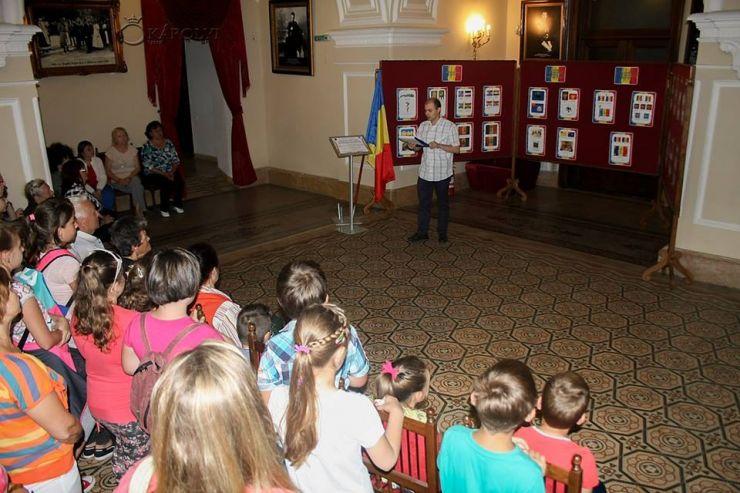 Ziua Drapelului Național, marcată la Carei printr-o expoziție de fotografie