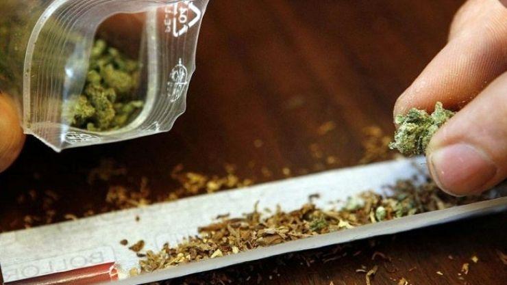 Tineri prinși cu droguri asupra lor în municipiul Satu Mare