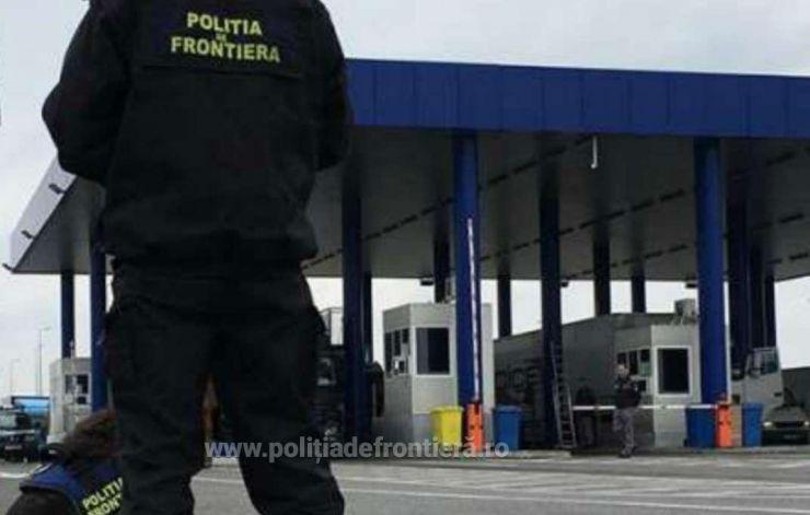 Urmăriți de autorități, opriți de polițiști la intrarea în țară