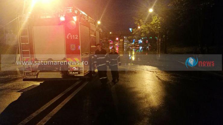 Mai multe străzi și cele două pasaje din municipiu, inundate. Intervin echipaje ale ISU și Apaserv