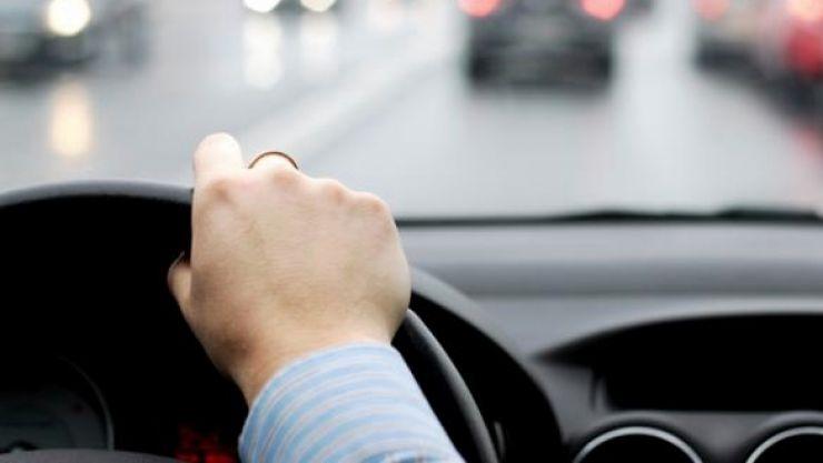 Trei șoferi drogați, prinși la volan de polițiști