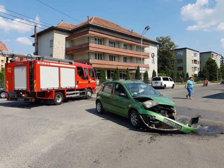 Accident în Satu Mare. Un tânăr a ajuns la spital (foto)