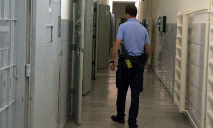 Un minor a ajuns într-un centru educativ pentru furt calificat