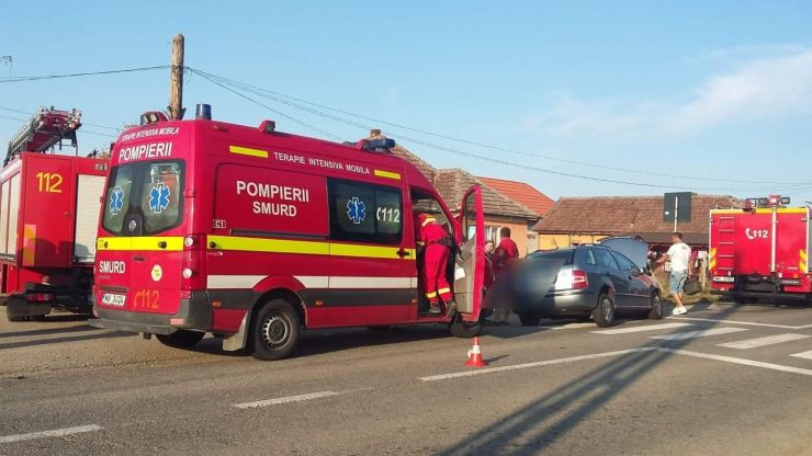 Trei persoane au ajuns la spital, în urma unui accident produs la Apateu