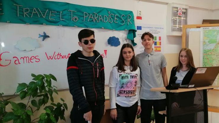 """Jocuri fără bariere, în cadrul unui proiect Erasmus, la Colegiul Economic """"Gheorghe Dragoș"""" Satu Mare"""